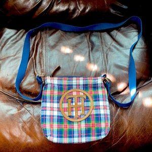Women's small Tommy Hilfiger purse!